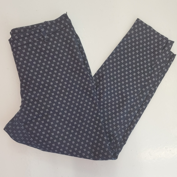 H&M Navy Blue & White Patterned Ankle Pants